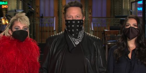 Elon Musk had an unexpectedly tame SNL performance, and NBC gave the billionaire CEO free PR despite his anti-union stance and ultra-wealth