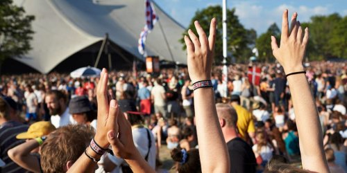 964 people got COVID-19 after an outdoor music festival, despite compulsory negative tests, vaccines, or other proof of immunity