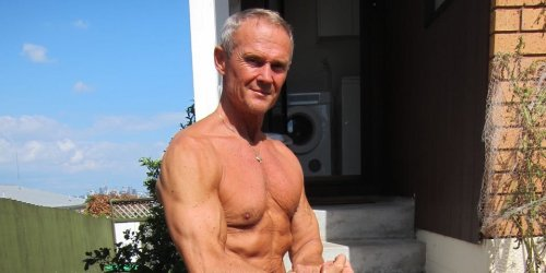 A 65-year-old vegan bodybuilder explains how he builds muscle with 1-hour workouts and a diet of raw vegetables