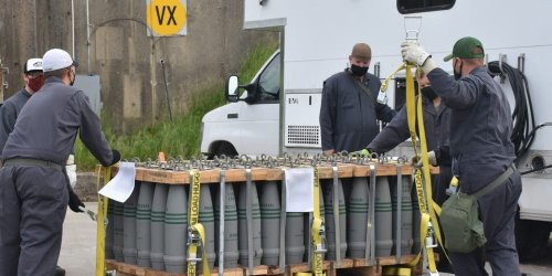 The US military dropped off its last batch of artillery shells carrying deadly VX nerve agent to be destroyed