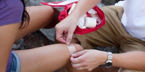 10 life-saving first aid hacks everyone should know