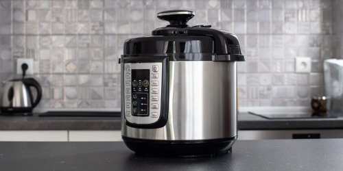 What does natural release and quick release mean on an Instant Pot?