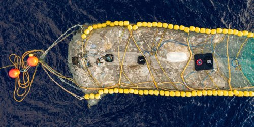A half-mile installation just took 20,000 pounds of plastic out of the Pacific — proof that ocean garbage can be cleaned