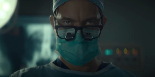 Joshua Jackson got 'a little crash course in spinal surgery' to play a murderous real-life surgeon in 'Dr. Death,' a must-watch for true-crime fans