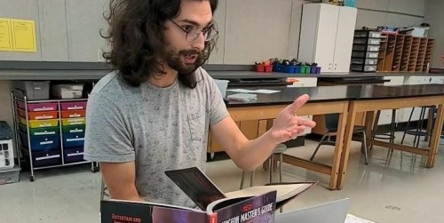 How a 26-year-old substitute teacher turned his love for Dungeons & Dragons into a side hustle that brings in $600 a month