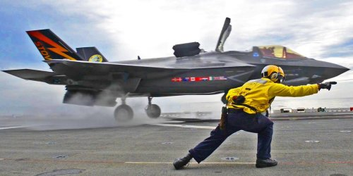 How fighter pilots train to fly the Marine Corps' F-35B