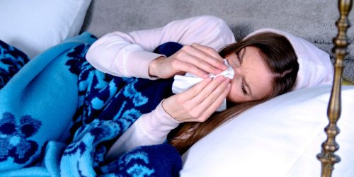 13 tips to get better sleep with a stuffy nose at night
