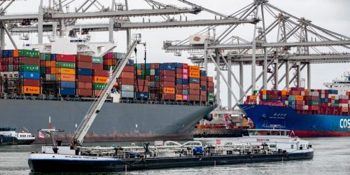 Bloomberg's Joe Weisenthal explains why there's 'no obvious solution' for our never-ending supply chain predicament