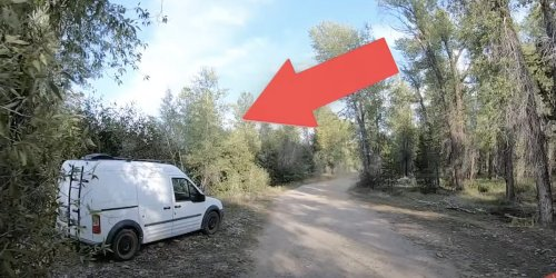 Family travel vloggers share video they believe shows Gabby Petito and Brian Laundrie's van around time of her disappearance