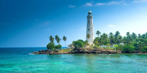 6 of the world's most stunning lighthouses where you can spend a vacation