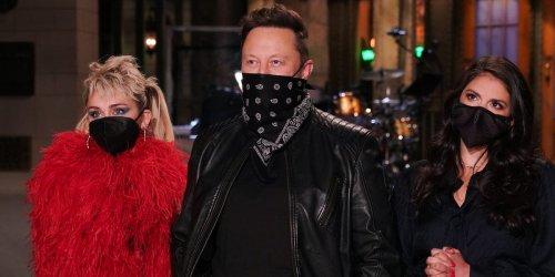 Elon Musk jokes he named his son X Æ A-12 after a cat running across keyboard on 'SNL'
