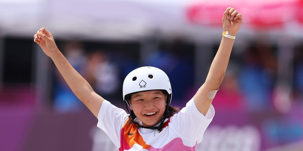 13-year-old Momiji Nishiya wins gold in Olympics women's street skateboarding, becoming one of the youngest gold medallists in Olympic history