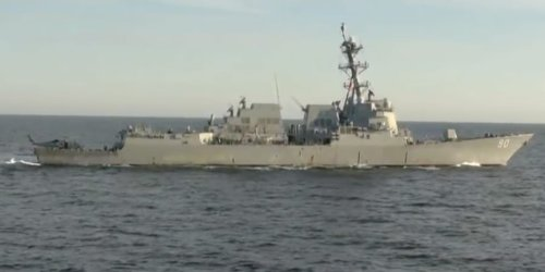 Russian video shows a close encounter between US and Russian warships in the Pacific
