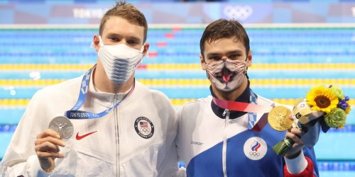 The Russian Olympic Committee hits back after US swimmer Ryan Murphy suggested the race wasn't '100% clean'