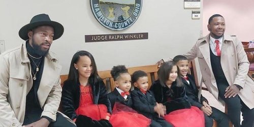 A single dad who was once in foster care adopted 5 kids on his own