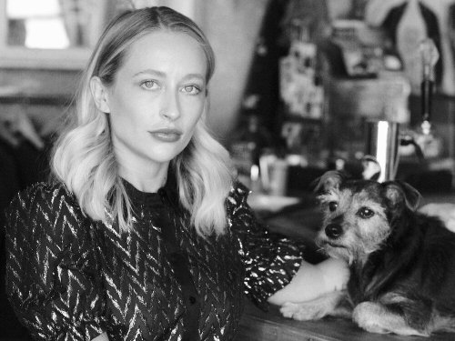 A woman who's been sick for 8 years wrote a manual for living with chronic illness, and it could help COVID long-haulers