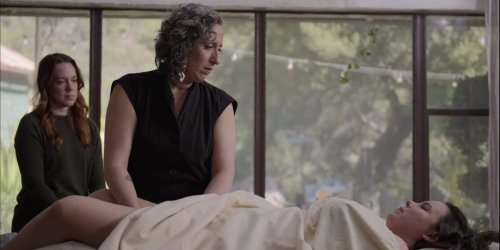 A Goop therapist performs sexological bodywork — a sex 'therapy' that is illegal in 49 states and can involve penetration — in new Netflix show
