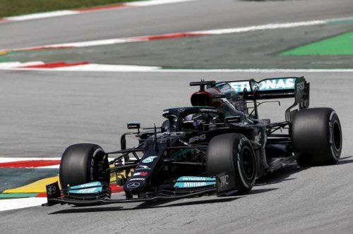 Hamilton: Progress of midfield teams 'amazing' but adds 'pressure'