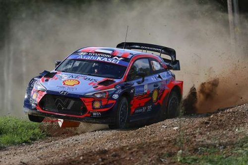 Tanak unstoppable on home soil, drama for Neuville on Saturday asfternoon