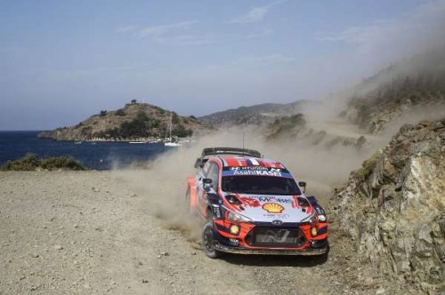 Veteran Loeb claims early lead on Rally Turkey