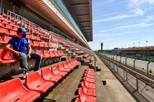 Alonso & Sainz rue lack of fans for 'special' home race in Spain