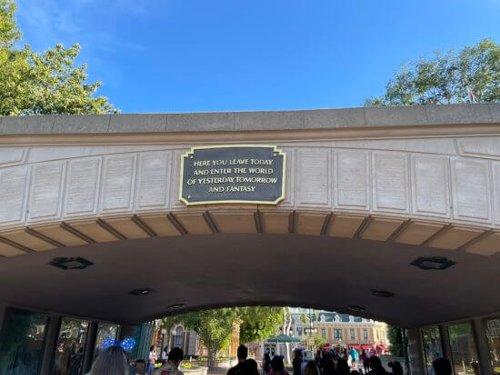 Vanessa Bryant Celebrates 39th Birthday in Disneyland!