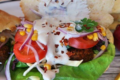 Dönersoße selber machen – 2 leckere vegane Rezepte