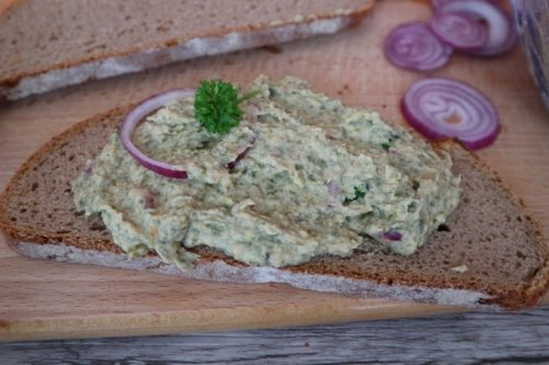 Veganer Thunfischsalat / Thunfischaufstrich – Rezept für Kein-Thunfisch-Creme
