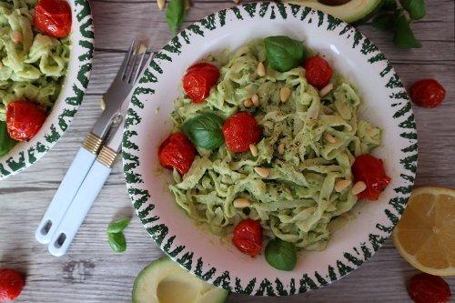 Avocado Pasta – schnelles Rezept für vegane Nudeln mit Avocado