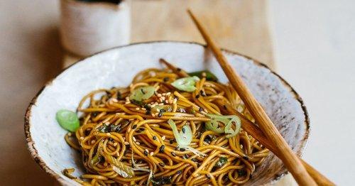 Sesame Noodles: So geht das leckere und einfache Rezept von Janina Uhse