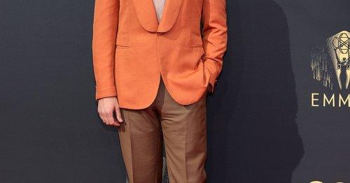 Statt Schwarz! Schauspieler Seth Rogen zeigt, wie edel ein bunter Anzug sein kann
