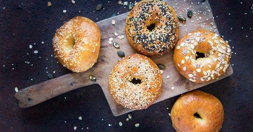 Blitzrezept: So backst du dir leckere Bagels - mit nur 3 Zutaten