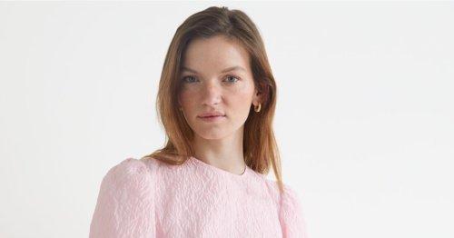 El vestido rosa para primavera más bonito está en &OtherStories
