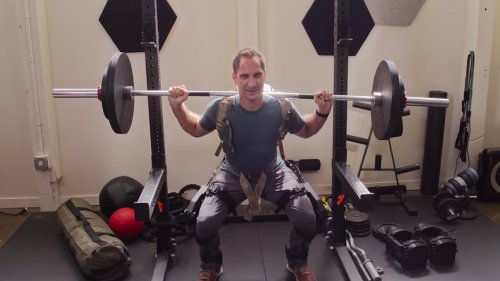 Man With Knee Problems Turns Into Superman After Wearing A Powered Exoskeleton