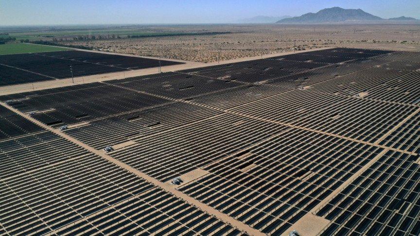 A Massive Solar Power Farm Will Be Built in California Desert