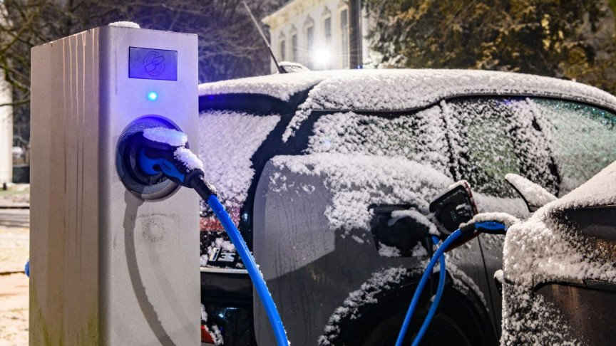 Canada Is Banning Internal Combustion Engines, but What About the Cold?