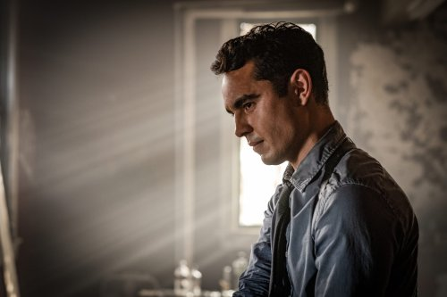 """From """"Art School Confidential"""" to """"Spiral,"""" Max Minghella Looks Back on a Life in Movies"""