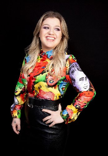 TMI! Kelly Clarkson Reveals She Once Went to the Bathroom in a Trash Can: 'I Destroyed It'