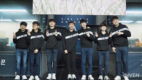 선수와 우린 칼바람 한팀! '킹존 드래곤X' 팬미팅 풍경기