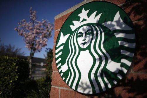 Starbucks-Aktie rutscht ab: Kaffeekette sieht sich vor vielen Herausforderungen Von Investing.com