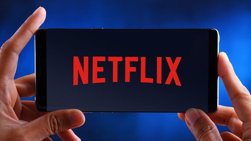 Dow Rallies 200 Points As Netflix Plunges On Earnings; Apple, Tesla Reverse Higher