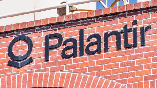 Tap Into Palantir's Rally With Risk-Limited Options Trade