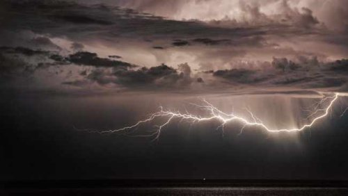 WARNING: Major thunderstorms heading for central Western Cape, disruptions expected
