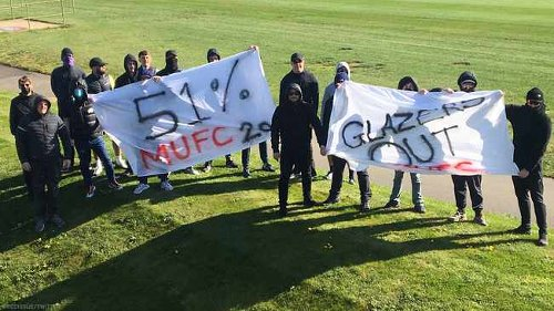 Man Utd fans breach training ground security to protest against Glazers