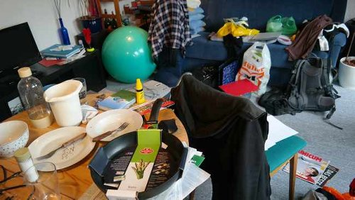 Find out how couples with different decluttering styles can get along