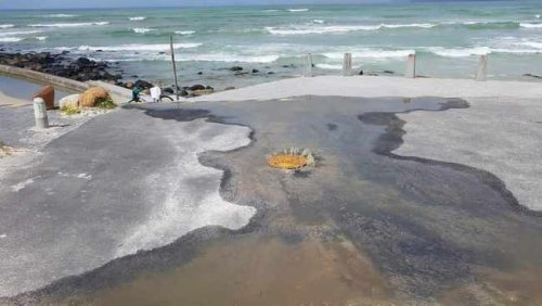 Tidal pool in Strandfontein closes again after sludge pours in while people are swimming