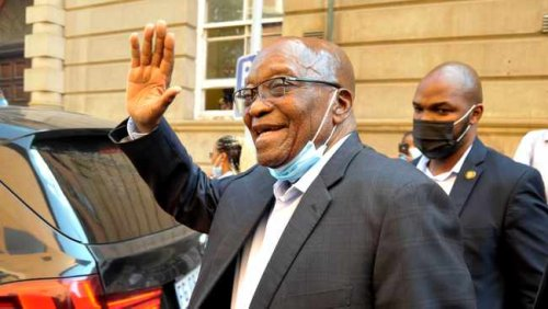 WATCH: Zuma tells supporters they can't bond with him because he is a prisoner