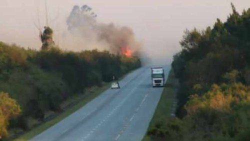 Firefighters continue to battle 'out of control' Tsitsikamma fire