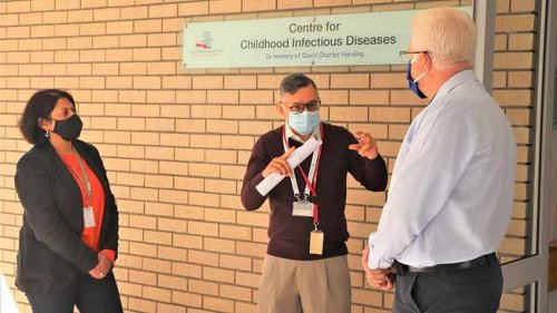 Winde uses Red Cross visit to highlight impact of TB on Cape children