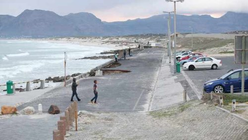 Residents calls for restrictions to Lover's Lane in Strandfontein after 14-year-old girl is raped and stabbed